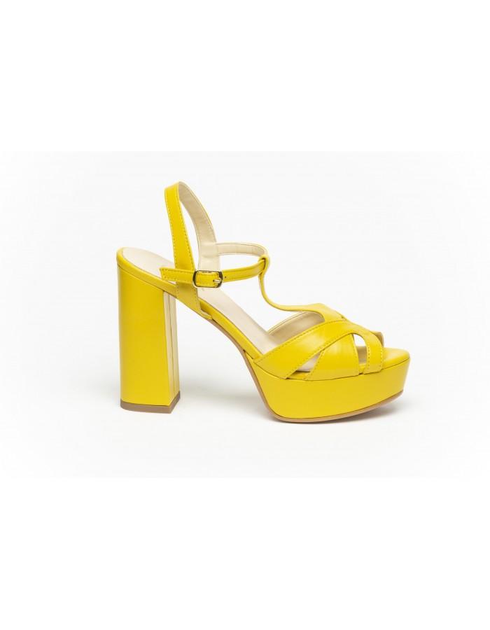 Ovyè - Sandali con tacco in pelle gialla